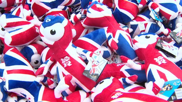 Souvenir shops pop up across London
