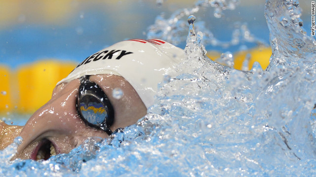 American Ryan Murphy sets Olympic record, takes gold in 100m backstroke