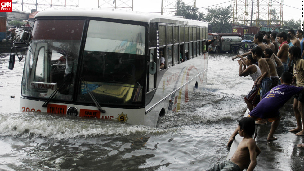 Aaron Demesa, an iReporter, took this image Tuesday of the North Luzon Expressway in the Manila village of Balintawak.