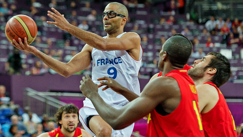 France's NBA star Tony Parker was powerless to stop Spain's march into the semifinal of the men's basketball -- the final score 66-59.