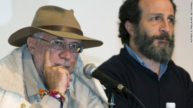 Mexican poet and social fighter Javier Sicilia, right, and Mexican actor Daniel Gimenez Cacho speak about the Caravan of Peace.
