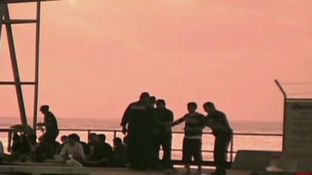 Australia asylum crisis unfolds