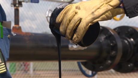 velez colombia economy oil_00000201