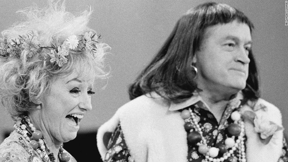 Comedian Phyllis Diller dies 'with a smile on her face' - CNN.com