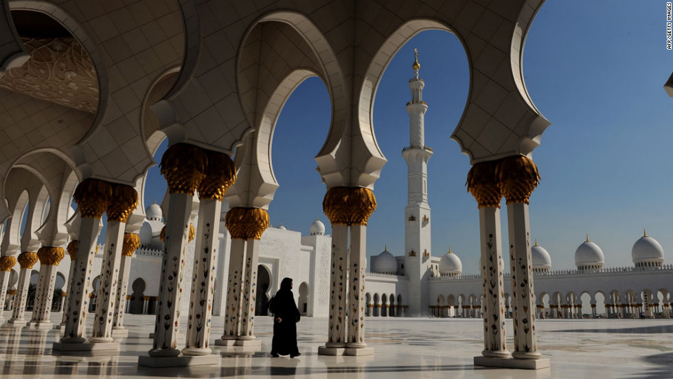A short trip south of Dubai lies the similarly burgeoning airport hub city of Abu Dhabi. Here, visitors can take in the majestic Sheikh Zayed Mosque, which is big enough to hold 41,000 worshipers.