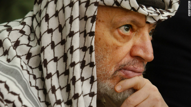Workers exhuming Yasser Arafat's body