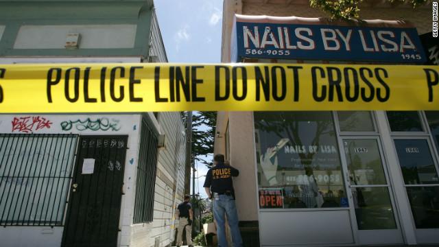 Ex-hostage negotiator George Kohlrieser says that leaders walk a thin line based on trust.