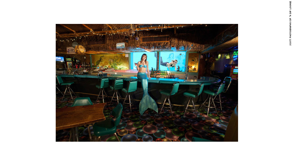 In 2003, GQ Magazine named the Sip 'n Dip Lounge as the top bar on earth worth flying for.