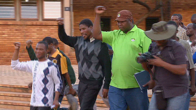Miners celebrate release from jail