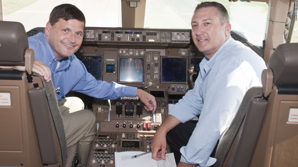 BBJ President, captain Steve Taylor and BBJ chief pilot, captain Rene Gonzalez in the cockpit.