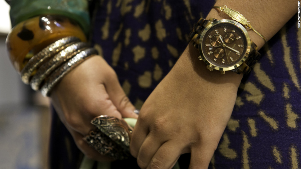 Katerina Kriticos, 24, shows off stylish jewelry.