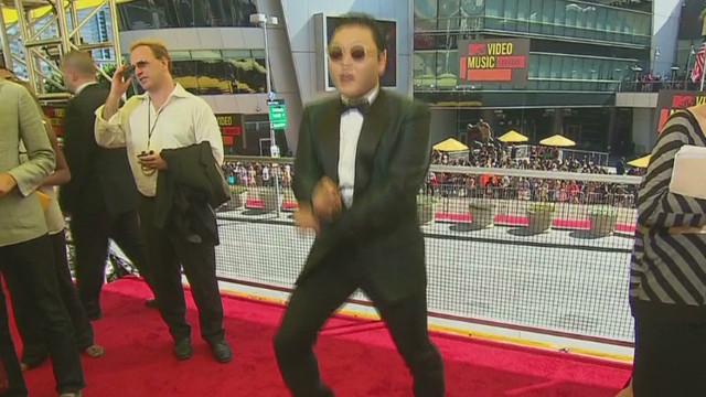 Psy teaches 'Gangnam Style' dance