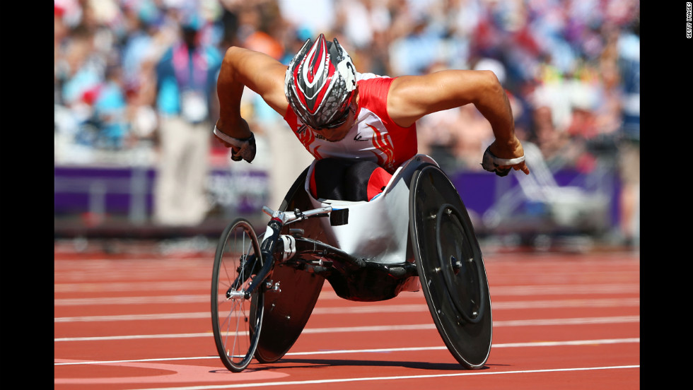 Japan's Jun Hiromichi competes Friday in the men's 200-meter T53 heats.