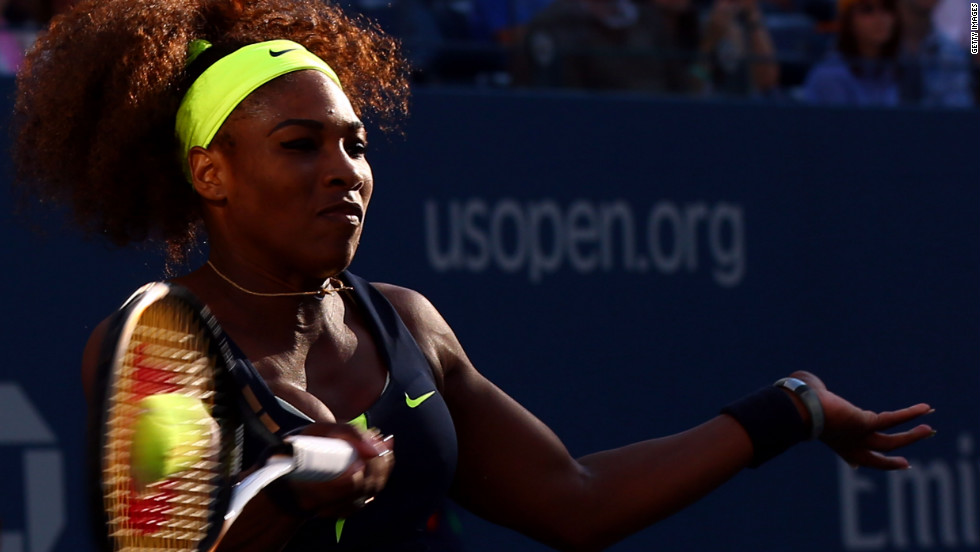 Williams returns a shot against Azarenka on Sunday.