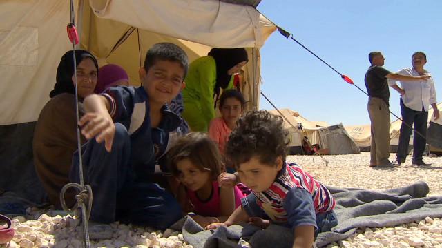 Syrian refugees pour into Jordan
