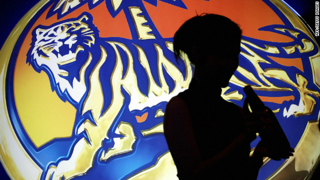 Tiger Beer's maker, Asia Pacific Breweries, is at the heart of a bidding battle between Heineken and a Thai billionaire.