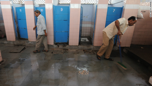 India tackles public defecation