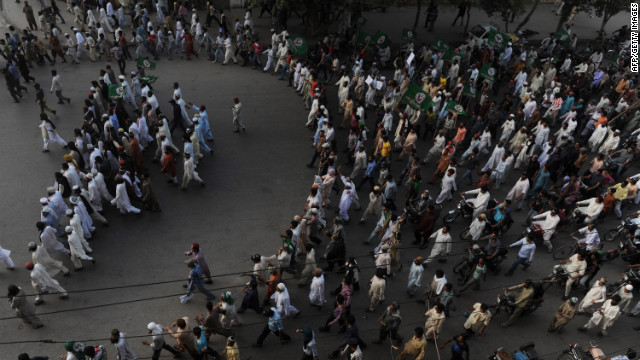 Pakistani Muslims protest against an anti-Islam video in Peshawar on Tuesday.