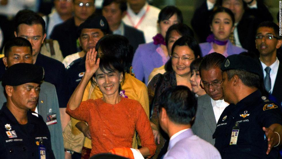 Suu Kyi leaves the Suvarnabhumi  International airport  on her first international trip in 24 years outside Myanmar on May 29, 2015in Bangkok, Thailand.