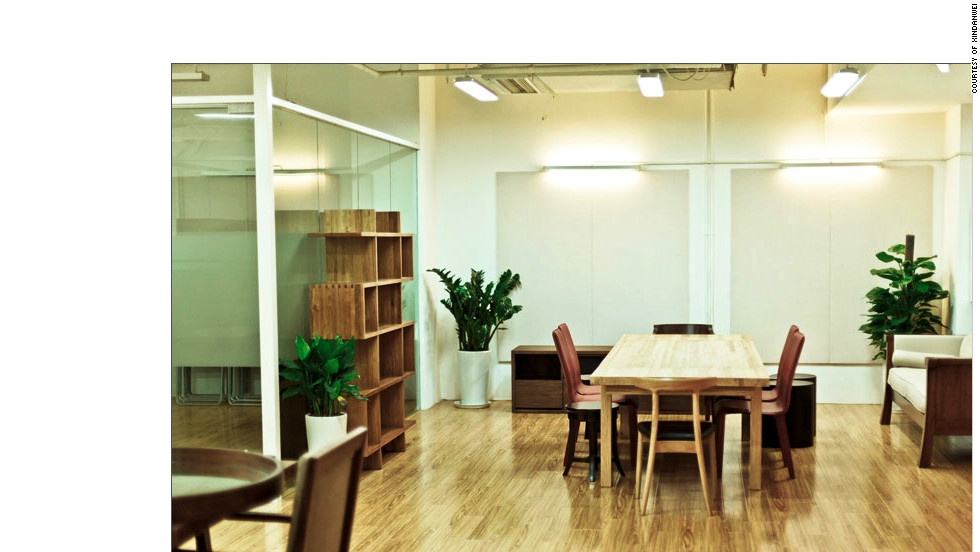 As with most co-working space, Xindanwei offers open working areas as well as enclosed offices.