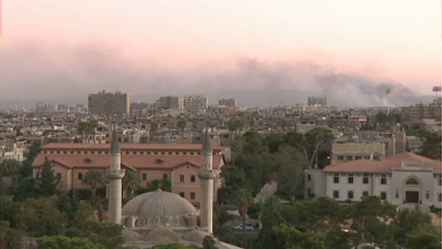 Explosions rock suburbs of Damascus