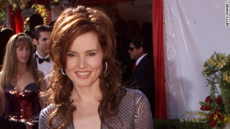 Geena Davis arrives at the 52nd Annual Primetime Emmy Awards at the Shrine Auditorium in Los Angeles, 9/10/00