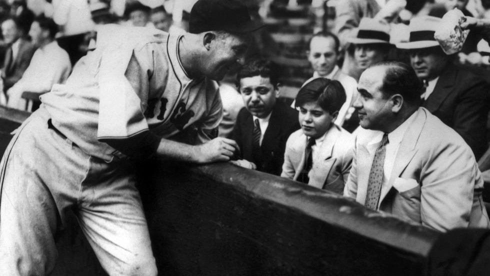 As well as being a huge golf fan, Capone loved his baseball. Sitting alongside his son, Albert (Sonny) Capone, he chats to Chicago Cubs player Gaby Hartnett.
