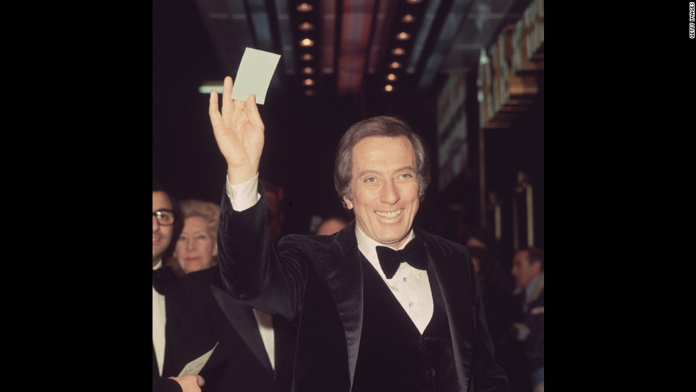 Wlliams arrives in London's Leicester Square for a charity cabaret show in 1976.