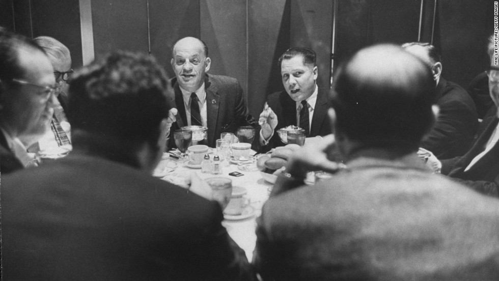 Hoffa eats with union leader Joseph Curran, left, in 1959.