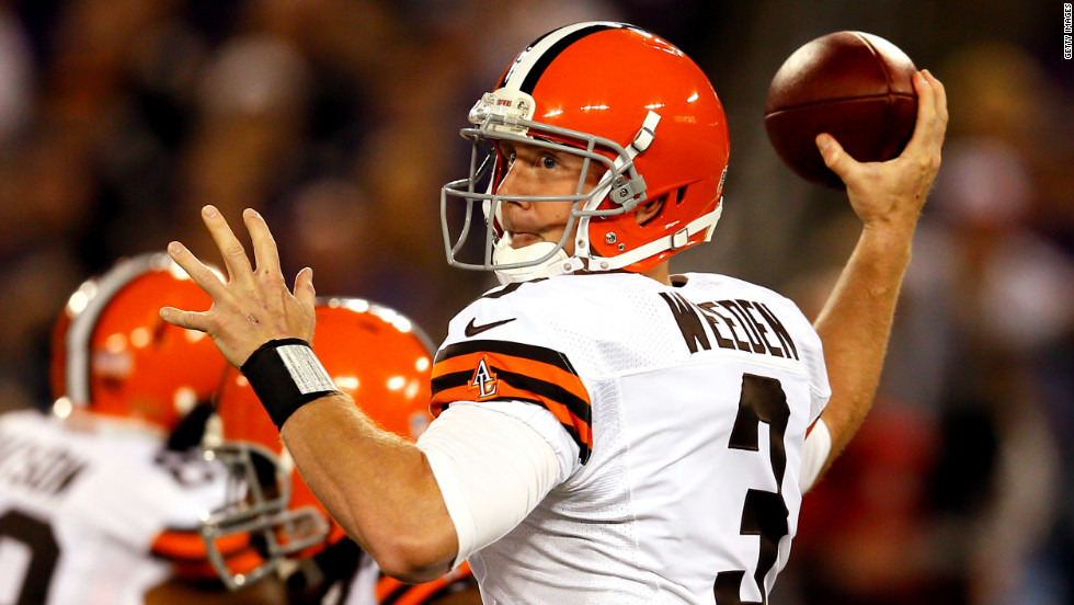 Quarterback Brandon Weeden of the Cleveland Browns makes a pass Thursday.