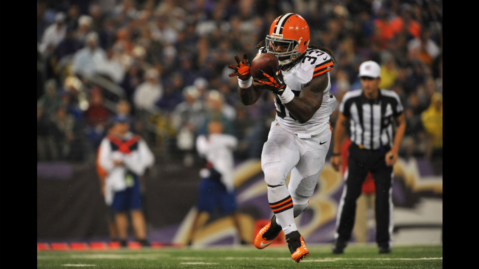 Trent Richardson of the Cleveland Browns runs the ball in for a touchdown.