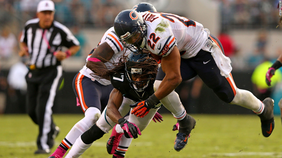 Matt Forte of the Chicago Bears rushes against the Jacksonville Jaguars on Sunday at EverBank Field in Jacksonville, Florida.