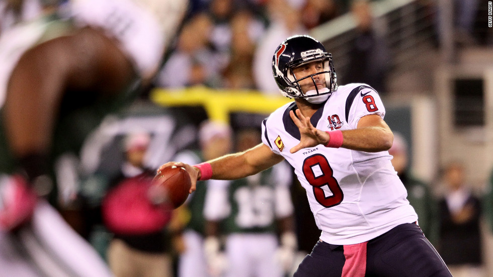 Texans quarterback Matt Schaub throws a touchdown pass to Owen Daniels on Monday.