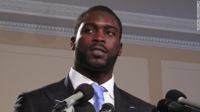"Philadelphia Eagles quarterback Michael Vick  is promoting his new autobiography, ""Finally Free."""
