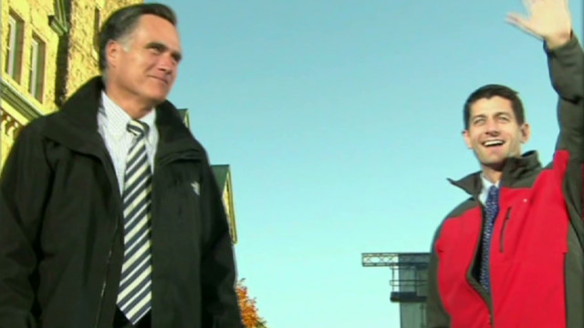 Obama and Romney battle for swing states