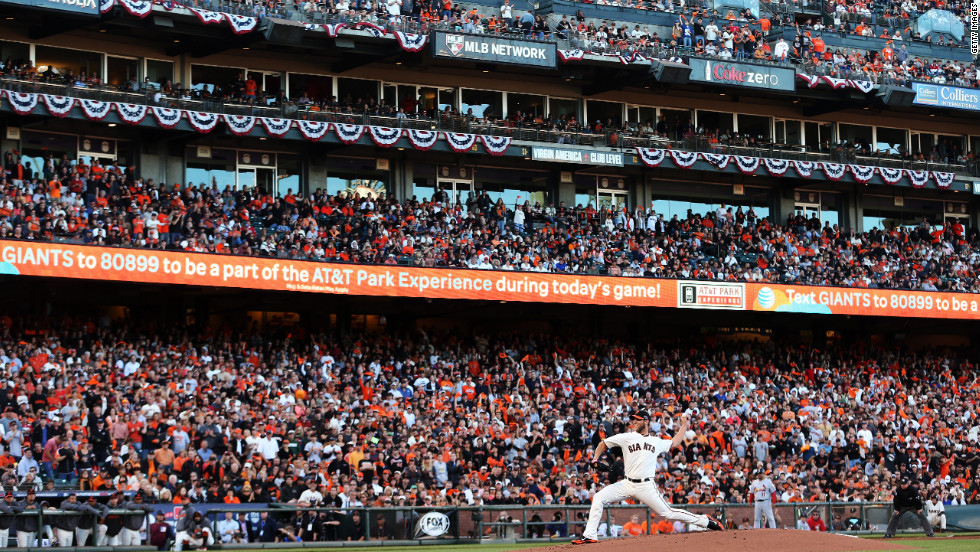 Madison Bumgarner of the Giants pitches Sunday.