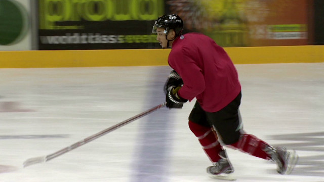 U.S. hockey player finds new team in UK