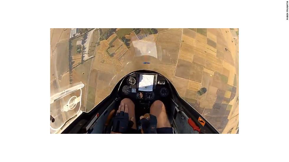 Ruben Frugatta takes acrobatic flight.