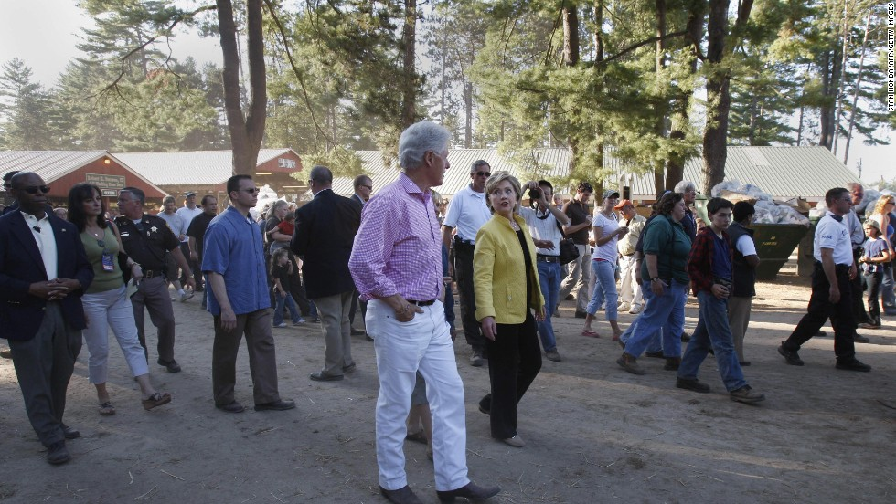 The Clintons pay a visit to the 92nd annual Hopkinton State Fair in Contoocook, New Hampshire, on September 2, 2007.