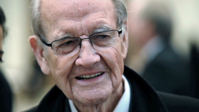 George McGovern dies at age 90