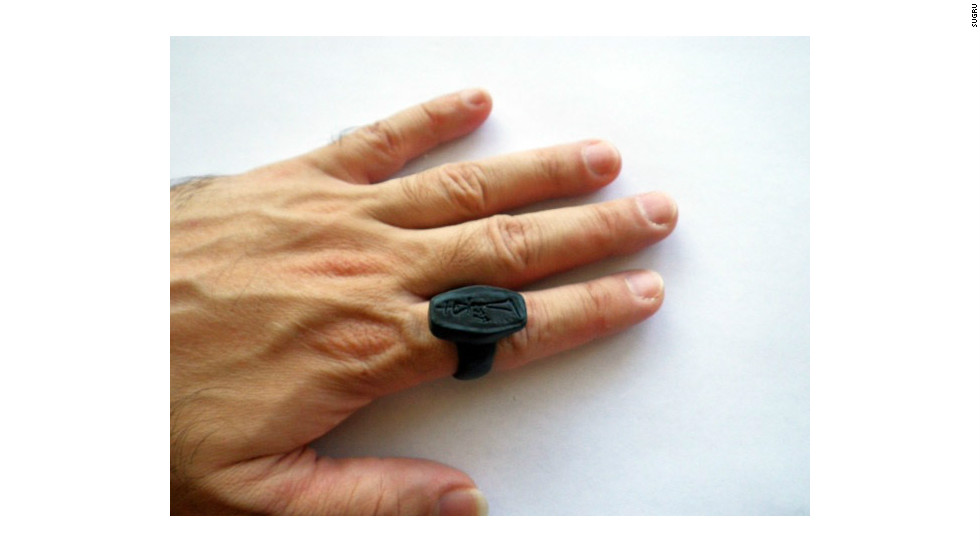 The self-setting rubber has stylistic as well as practical purposes. It can be used to repair buttons and zips on clothes as well as fashion bespoke jewellery.
