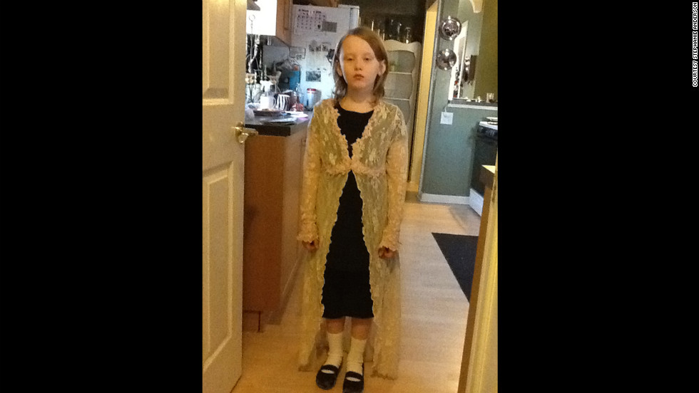 Stella as Mary Todd Lincoln.