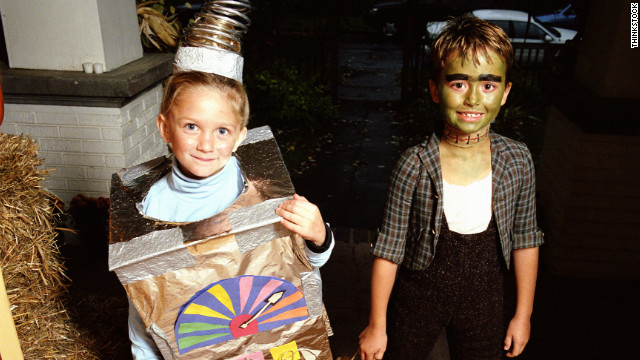 http://www.realsimple.com/holidays-entertaining/holidays/halloween/halloween-costumes-pets-00000000043843/