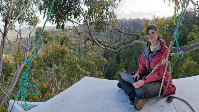 Miranda Gibson lives on a 60-meter high platform in a 400-year-old tree in Tasmania, Australia