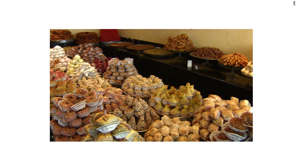 """La Bague de Kenza"" has been making Algerian pastries for 17 years. In the early days, Parisians mistook the sweets for Moroccan or Tunisian food they were more familiar with."