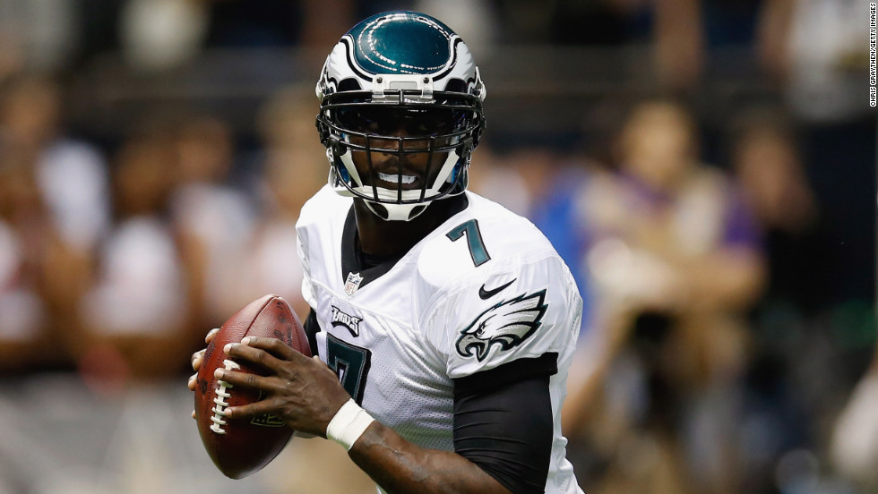 Eagles quarterback Michael Vick looks to pass against the Saints on Monday.