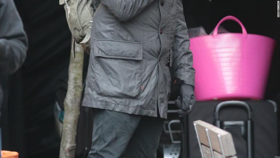"Joshua Jackson films ""Fringe"" in Vancouver."