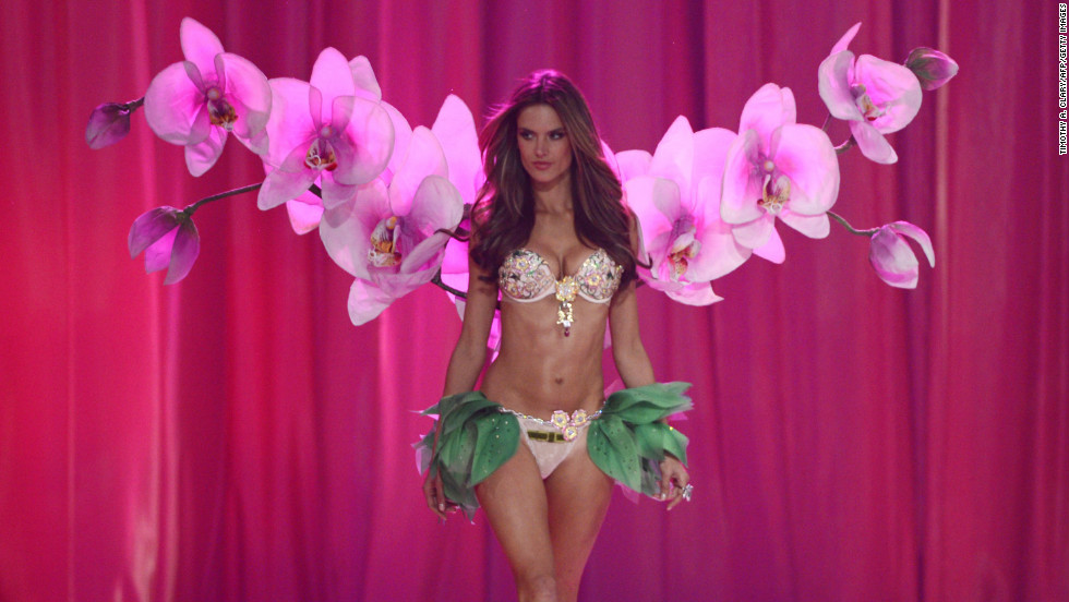 vs fashion show 2012 Alessandra Ambrosio