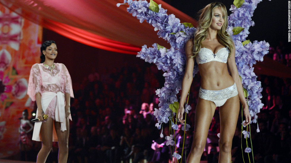vs fashion show 2012 Candice Swanepoel with Rihanna