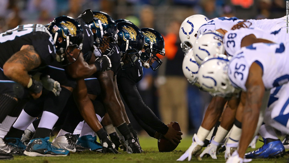 The Jaguars and the Colts line up during the game on Thursday.